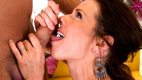 pretty veronica avluv gets massive facial