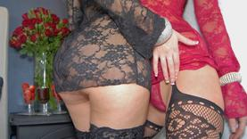milf in lingerie plays with her pussy