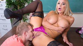 milfs in lingerie gives a good blow job
