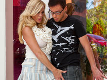 Amber Lynn & Dane Cross in Seduced by a cougar